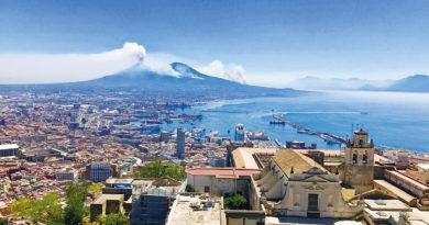 Úvodník: Vidět Neapol a zemřít